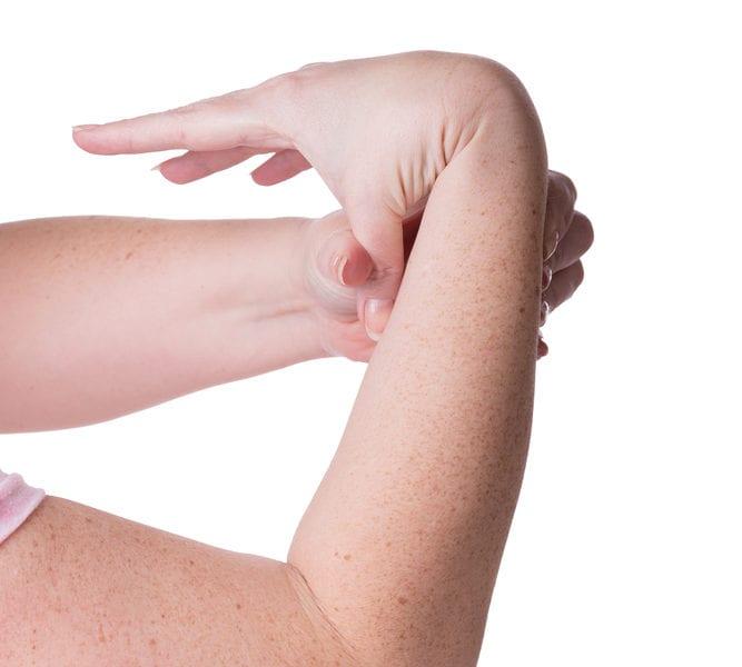hypermobile wrist